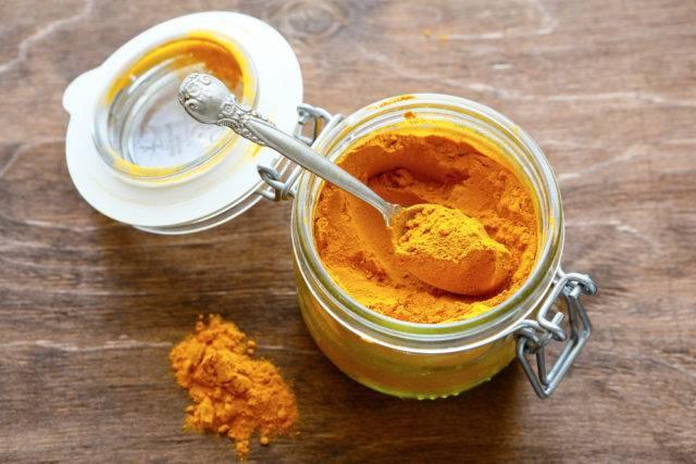 przyprawa curry w słoiku