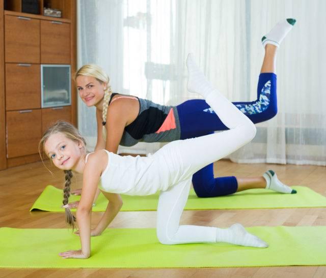 jak ćwiczyć w domu żeby schudnąć