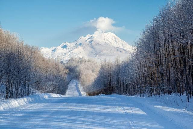 Szywiełucz aktywny wulkan znajdujący się na półwyspie Kamczackim w Rosji