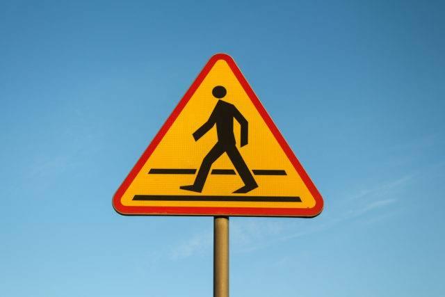 znaki ostrzegawcze przejście dla pieszych