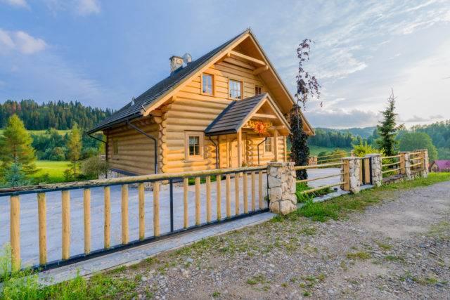 wady i zalety domu drewnianego