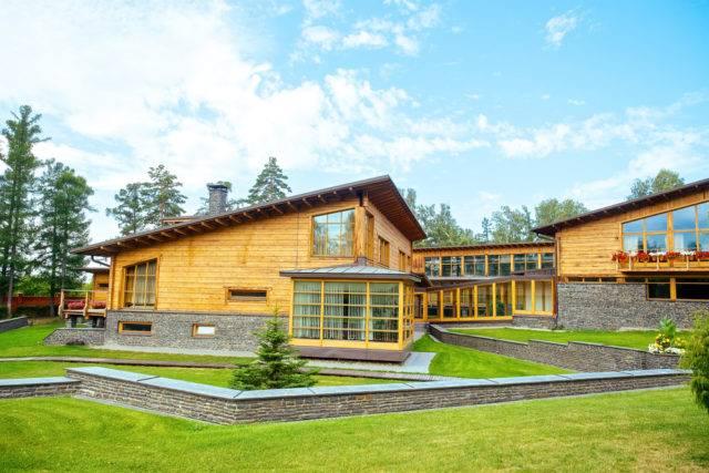 dlaczego warto budować domy drewniane szkieletowe