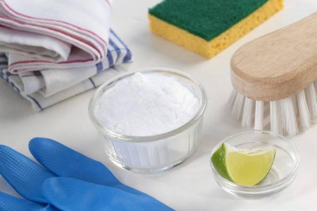 czyszczenie kabiny prysznicowej kwaskiem cytrynowym