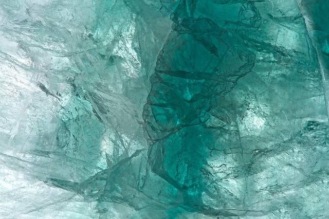 niebieskie kamienie szlachetne fluoryt