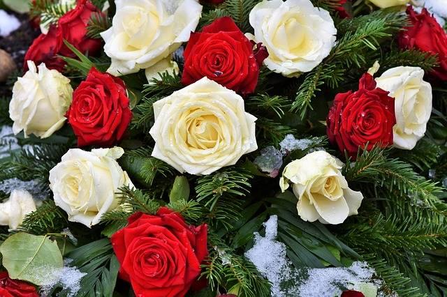 kwiaty na grób róże