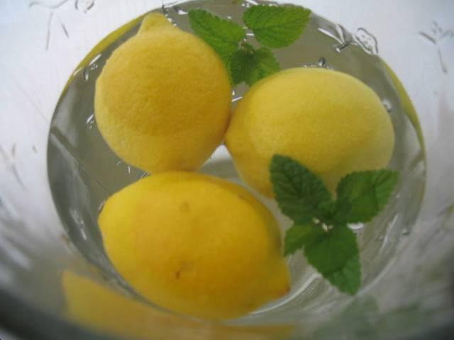 woda z cytryną korzyści