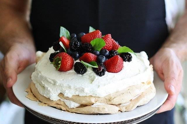 tort bezowy z serkiem maskarpone
